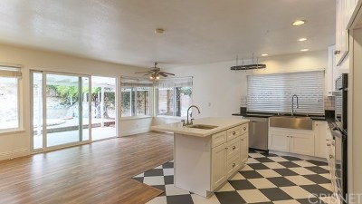 Simi Valley Single Family Home For Sale: 1881 Cloud Court
