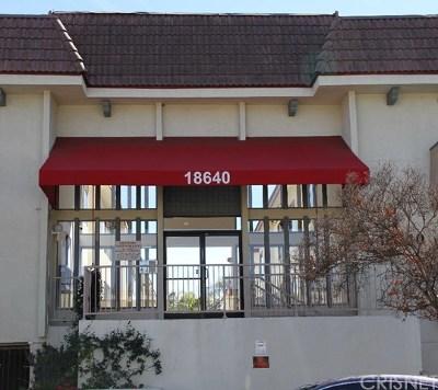 Tarzana Condo/Townhouse For Sale: 18640 Collins Street #203