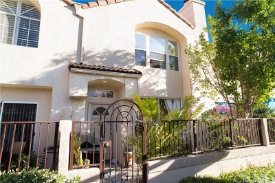 Chatsworth Condo/Townhouse For Sale: 11250 Sierra Pass Place