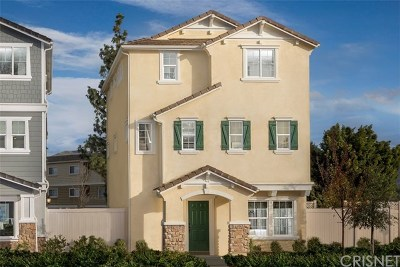Chatsworth Condo/Townhouse For Sale: 21938 Walters Drive