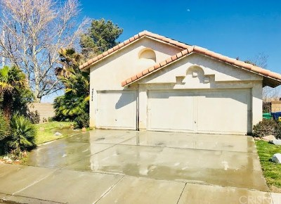 Palmdale, Lancaster, Quartz Hill, Rosamond, Pearblossom, Lake Los Angeles, Juniper Hills, Leona Valley, Lake Elizabeth, Antelope Acres, Lake Hughes, Green Valley, Llano, Littlerock Single Family Home For Sale: 44754 Cerisa Street