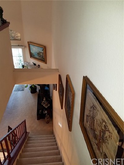 Woodland Hills Condo/Townhouse For Sale: 5500 Owensmouth Avenue #329