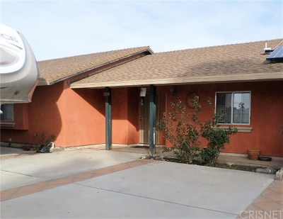 Lancaster CA Single Family Home For Sale: $300,000