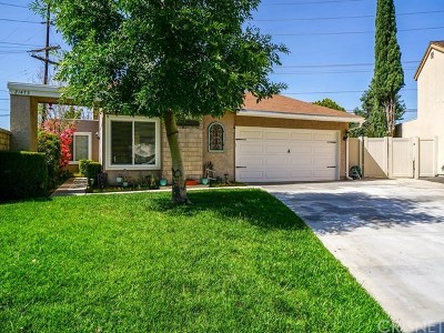 Saugus Single Family Home Active Under Contract: 21473 Peggy Joyce Lane