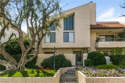 Encino Condo/Townhouse For Sale: 5255 Zelzah Avenue #120