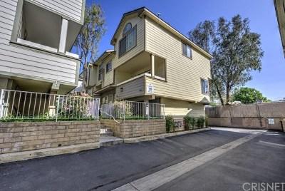 Pacoima Condo/Townhouse For Sale: 11150 Glenoaks Boulevard #146