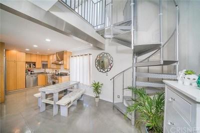 Studio City Condo/Townhouse For Sale: 4311 Colfax Avenue #217