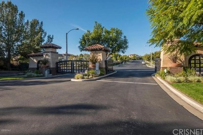 Moorpark Single Family Home Active Under Contract: 13934 Eaton Hollow Avenue
