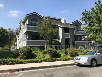 Santa Clarita, Newhall, Saugus, Valencia, Canyon Country Condo/Townhouse For Sale: 20320 Fanchon Lane #101
