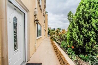 Valley Village Condo/Townhouse For Sale: 5255 Hermitage Avenue #104