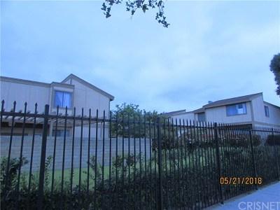 North Hills Condo/Townhouse For Sale: 9831 Sepulveda #04