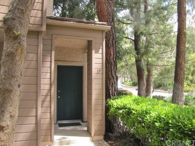 Westlake Village Condo/Townhouse For Sale: 17 Via Colinas