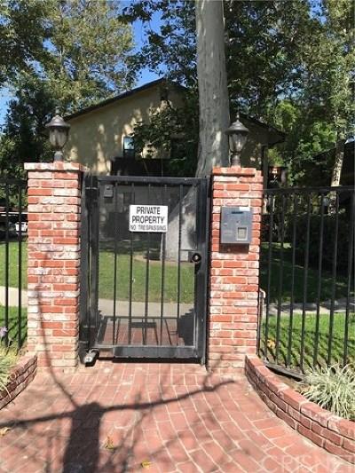 Reseda Condo/Townhouse For Sale: 7308 Corbin Avenue #G