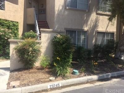 Valencia Condo/Townhouse For Sale: 23745 Del Monte Drive #153