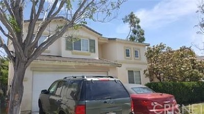 Castaic Single Family Home Active Under Contract: 30454 Barcelona Road