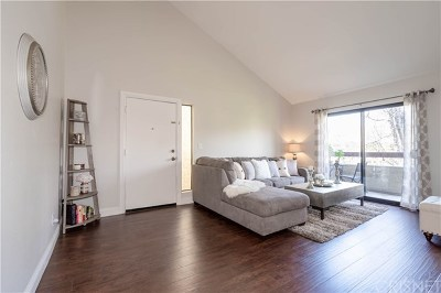 Canyon Country Condo/Townhouse Active Under Contract: 18065 Sundowner Way #616