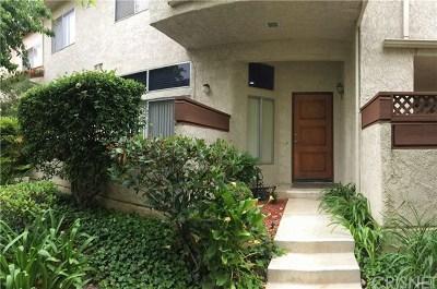 Simi Valley Condo/Townhouse For Sale: 1742 Sinaloa Road #341