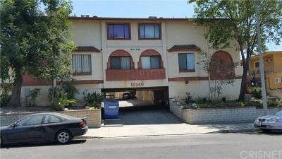 Tujunga Condo/Townhouse For Sale: 10240 Silverton Avenue #4