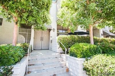Encino Condo/Townhouse For Sale: 5335 White Oak Ave #E