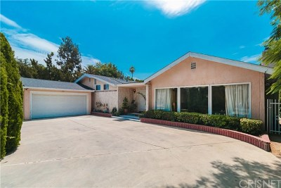 Woodland Hills Single Family Home For Sale: 23110 Oxnard Street