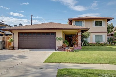Canyon Country Single Family Home For Sale: 19601 Four Oaks Street