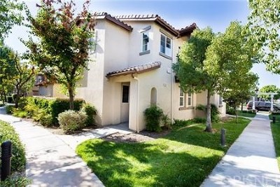 Valencia Condo/Townhouse For Sale: 27442 Acacia Drive
