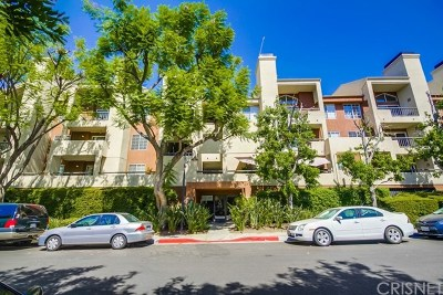 Woodland Hills Condo/Townhouse Active Under Contract: 21550 Burbank Boulevard #205