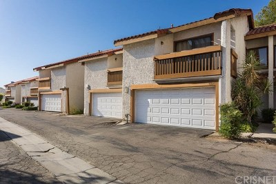 Santa Clarita, Newhall, Saugus, Valencia, Canyon Country Condo/Townhouse For Sale: 20938 Judah Lane