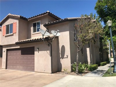 Saugus Single Family Home For Sale: 21149 Avenida De Sonrisa E