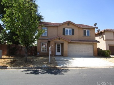 Palmdale Single Family Home For Sale: 126 Latente Drive