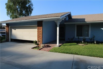 Newhall Condo/Townhouse Active Under Contract: 26320 Long Oak Drive