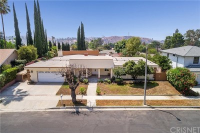 Lakeview Terrace Single Family Home For Sale: 10310 Nadina Street