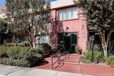 Encino Condo/Townhouse For Sale: 5349 Newcastle Avenue #22