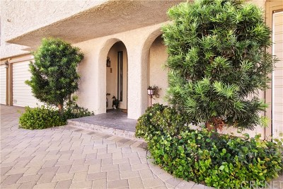 Calabasas Condo/Townhouse For Sale: 4227 Freedom Drive #305
