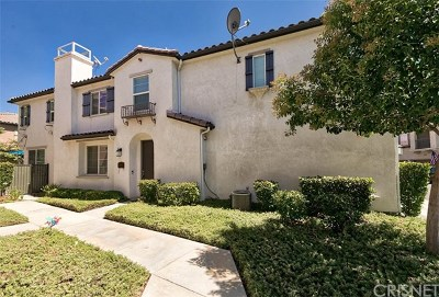 Saugus Condo/Townhouse For Sale: 28386 Santa Rosa Lane