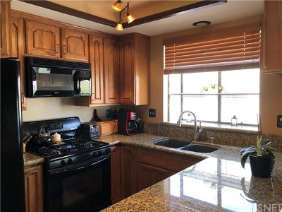 Canyon Country Condo/Townhouse For Sale: 18014 River Circle #5