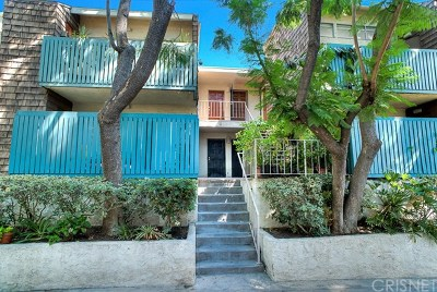 Tarzana Condo/Townhouse For Sale: 5700 Etiwanda Avenue #147
