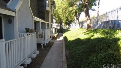 Northridge Condo/Townhouse For Sale: 18440 Lemarsh Street #19