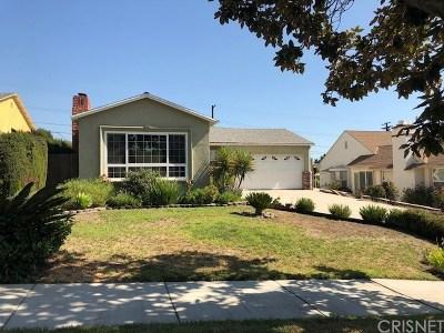Burbank Single Family Home Active Under Contract: 1060 E Walnut Avenue