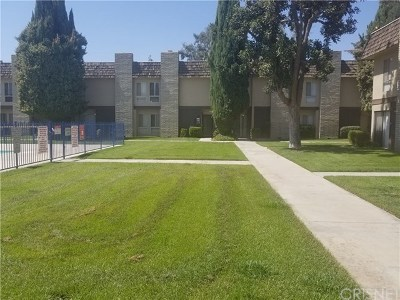 Bakersfield Condo/Townhouse For Sale: 5301 Demaret Avenue #14