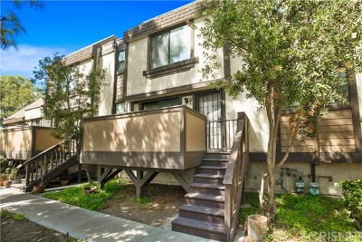 Sylmar Condo/Townhouse For Sale: 11300 Foothill Boulevard #3