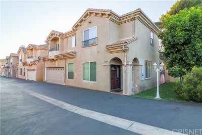 Sylmar Condo/Townhouse For Sale: 14657 Forest Edge Drive #19