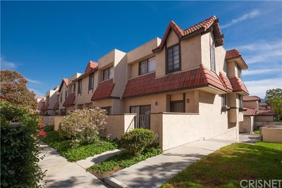 Santa Clarita, Newhall, Saugus, Valencia, Canyon Country Condo/Townhouse For Sale: 27657 Ironstone Drive #6