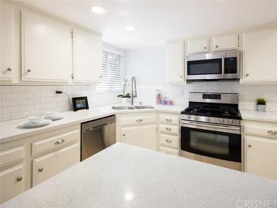 La Crescenta Condo/Townhouse For Sale: 2850 Montrose Avenue #20
