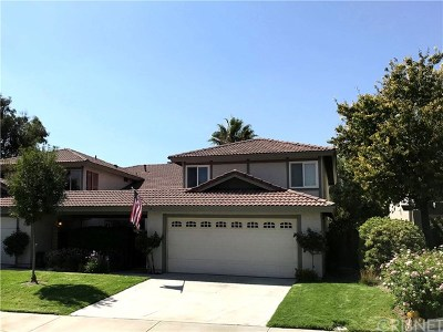 Canyon Country Condo/Townhouse For Sale: 28929 Marilyn Drive