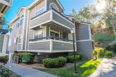 Santa Clarita, Newhall, Saugus, Valencia, Canyon Country Condo/Townhouse For Sale: 26950 Flo Lane #371