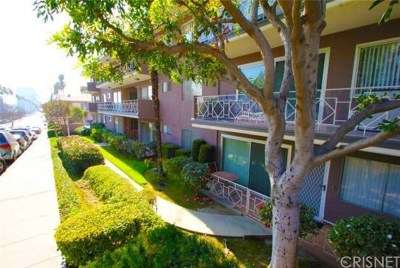 Glendale Condo/Townhouse For Sale: 1415 N Brand Boulevard #D