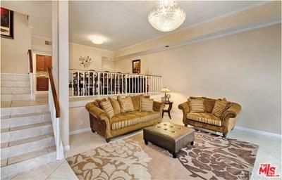 Encino Condo/Townhouse Active Under Contract: 5240 Yarmouth Avenue #2