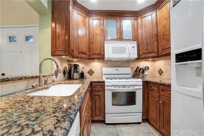 Valencia Condo/Townhouse For Sale: 24143 Del Monte Drive #283