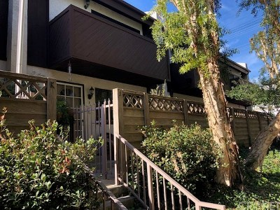 Canoga Park Condo/Townhouse For Sale: 7130 Glade Avenue #Unit J